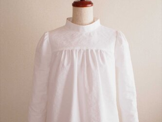 Amaryllis -white blouse-の画像