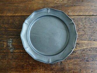 花リム皿L(黒マット)の画像