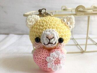 【受注生産】ピンクハート・淡黄色×白色ネコさん*鈴付きイヤホンジャックストラップの画像