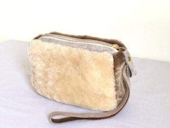 mouton pouchの画像
