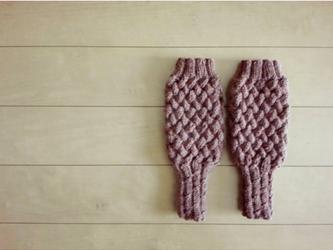 バスケット編みのハンドウォーマー(レンガ)の画像