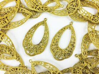送料無料 透かし パーツ 花 しずく ゴールド 20個 フラワー レジン 封入 アクセサリー チャーム パーツ (AP0145)の画像
