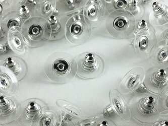 送料無料 ピアスキャッチ 100個 シルバー キャッチ6.5mmクリア皿11mm 内部 シリコン ピアス (AP0202)の画像