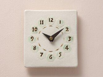 亀甲(角) 陶製掛け時計(木製針)の画像