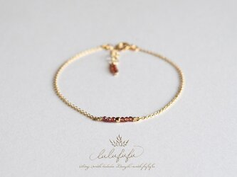 ■tiny stone bracelet■ガーネットの画像
