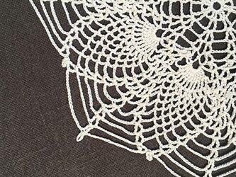 #01_蜘蛛の巣のドイリーの画像