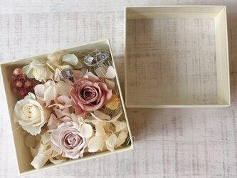 プリザーブドフラワー Box (natural)の画像