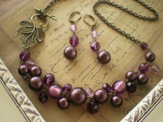 ぶどう*紫のつぶつぶネックレスの画像