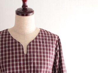 【受注製作】レッド×ネイビー×ホワイトチェックのコットン キーネック&ロールアップシャツの画像