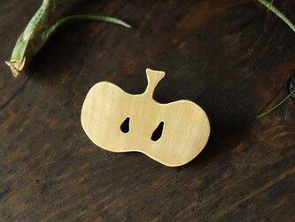 真鍮ブローチ apple B009の画像