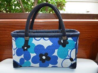 一閑張り・青い花バックの画像