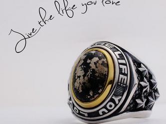 Live the life you love  Ring/自分の愛する人生を生きろ! シルバー アパッチゴールドリングの画像