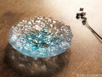ガラスのアクセサリートレイ - KUBOMI ●アクアブルー・11cmの画像