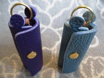 【新作・ブルー系】鍵1本・ちょっと突き出た革キーケース ミニ ゴールドホックの画像