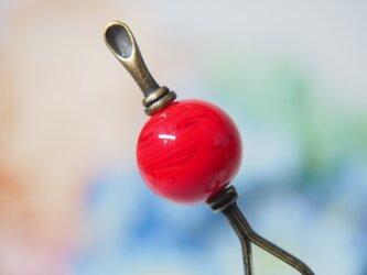 マーブル模様とんぼ玉のかんざし 赤 耳かき二本足の画像