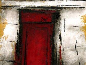 赤い扉のBARの画像