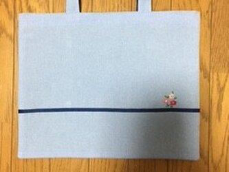 3つのお花のシンプルなレッスンバッグ★水色の画像
