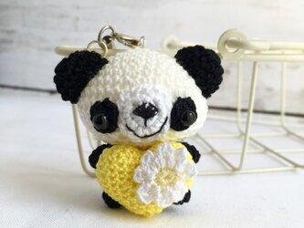 【受注生産】濃黄色ハート・白黒パンダさん*鈴付きイヤホンジャックストラップの画像