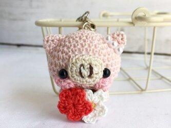 【受注生産】赤色小花・淡ピンク色ブタさん*鈴付きイヤホンジャックストラップの画像