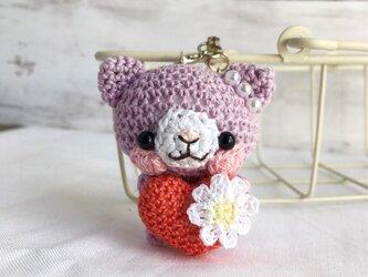 【受注生産】赤ハート・淡パープル色ネコさん*鈴付きイヤホンジャックストラップの画像