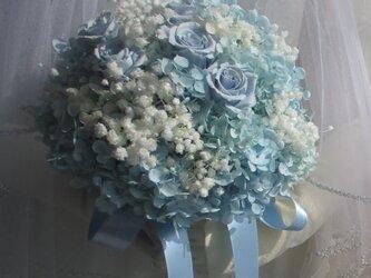 cottonブルー&カスミ草オーバータイムwhitebouquet(プリザのみ)の画像