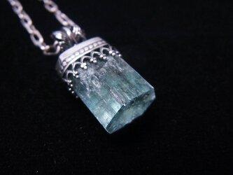アクアマリンの結晶ペンダントの画像