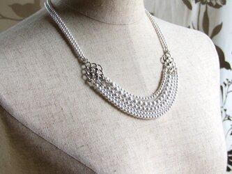 三連パールのネックレスの画像