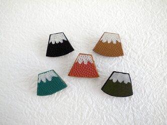 レザーの富士山ブローチの画像