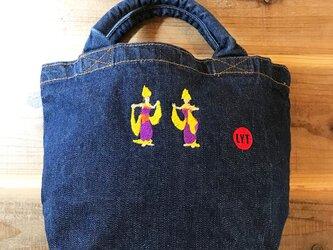 BALI 舞踊 刺繍 デニムトートの画像