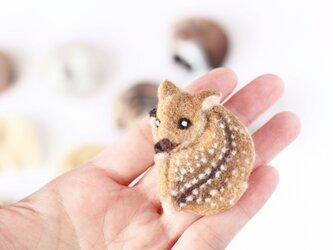 まるまる羊毛ブローチ 小鹿【受注制作】の画像