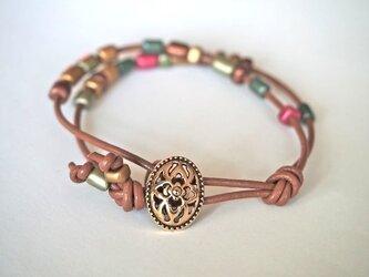 leather braceletの画像