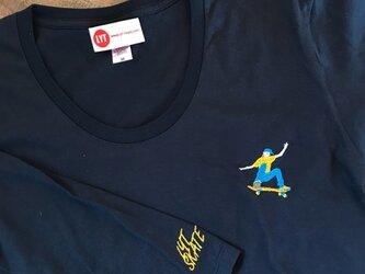 スケートボード 刺繍 Uネック ロングスリーブ Tシャツの画像