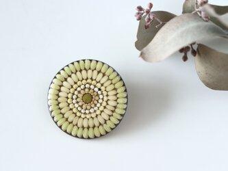 お米のブローチ 緑米の画像