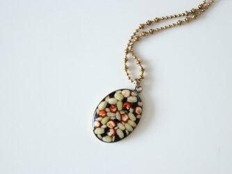 タカキビと緑米のネックレスの画像