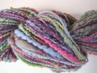 ちょっとスモーキーな色イロイロ糸の画像