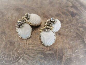 シェルビジューイヤリング ホワイト vintage white shell <ER-shwht>の画像