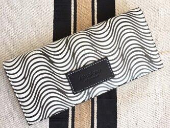 縄文柄 牛革薄い長財布の画像