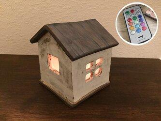あかりの灯る家(鏡子の家)の画像