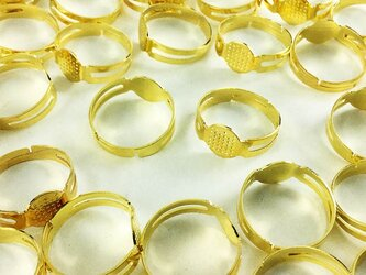 送料無料 リング パーツ 指輪 8mm台座付き ゴールド 金色 50個 サイズフリー AP0340の画像