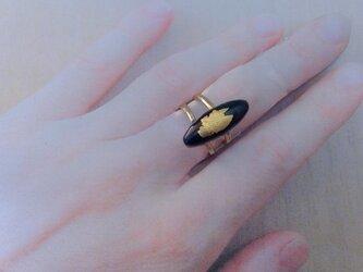 面長漆黒七宝金箔指輪の画像