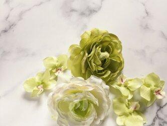 七五三 和装 髪飾り ラナンキュラス×胡蝶蘭の画像