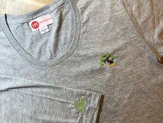 盆栽 刺繍 Uネック ロングスリーブ Tシャツの画像