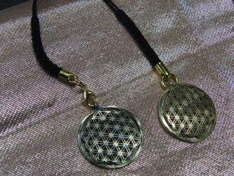 真鍮製小紋・麻紋風 根付ストラップ1個 着物や浴衣の帯飾りに/燻し・生地仕上げ選択の画像