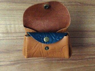 小さい革財布の画像