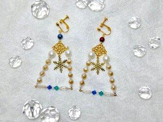 スワロとパールと雪の結晶ピアス/イヤリングの画像
