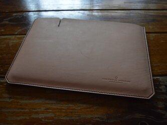 [受注生産品] 栃木レザー iPadケース(9.7インチ) MNC-07 BLACK & NATURALの画像