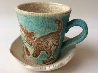 ポップ&レトロな猫マグと小皿セットの画像