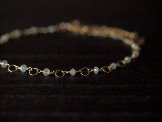 ホワイトグレーダイヤモンドのブレスレットの画像