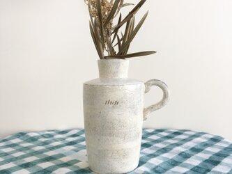 nacchico#013/味わいのある直線的な白い一輪挿し・花器・フラワーベースの画像
