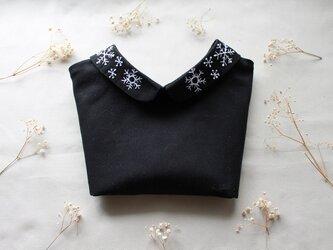 前後リバーシブルタイプのつけ襟~雪の結晶の付け襟~の画像
